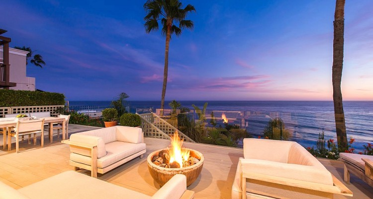 Outdoor-Fire-Pit-Blog-750x400
