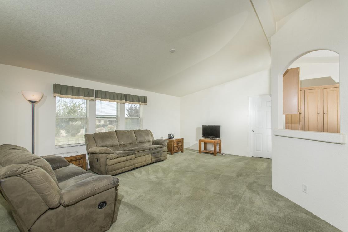 35875 El Dorado St, Lucerne Valley CA: