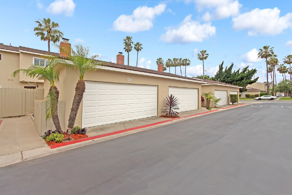 8212 Pawtucket Drive, Huntington Beach CA: