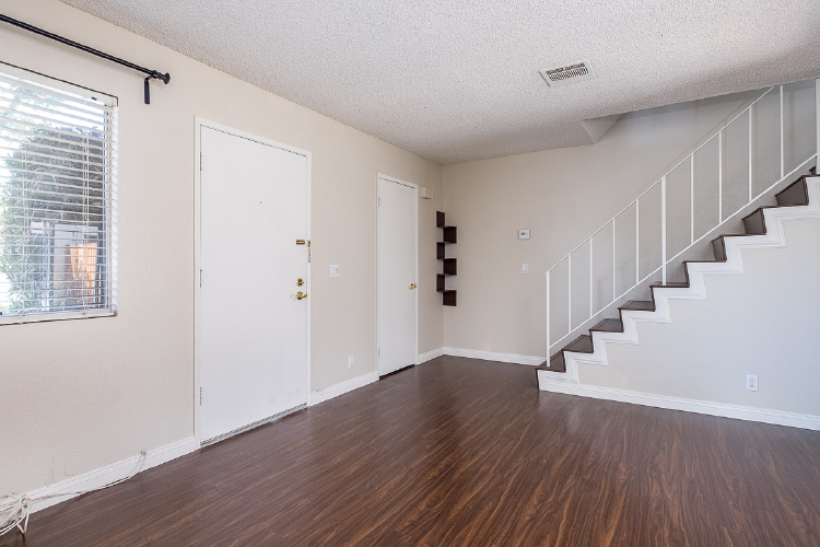 7387 Katella Avenue, Stanton, CA 90680