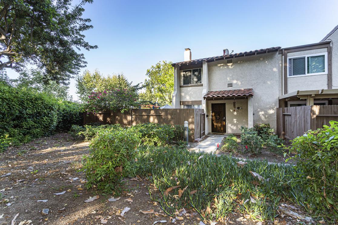 5615 E Plaza De Vaqueros, Anaheim Hills CA: