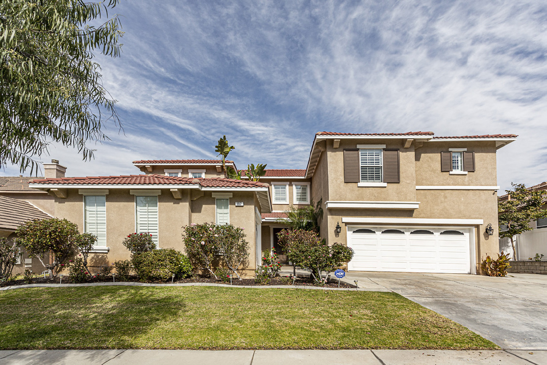 897 Feather Peak Dr., Corona CA: