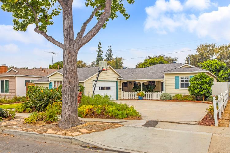 523 W Park Lane, Santa Ana, CA 92706