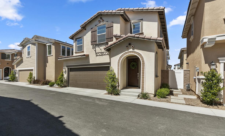 6017 Oatfield Ave, Eastvale CA:
