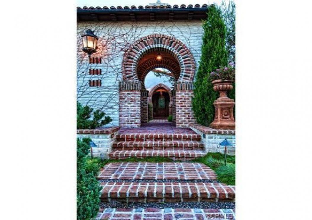 49 Golden Eagle, Irvine CA: