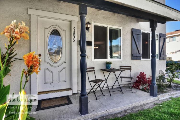 9852 Argyle Drive , Huntington Beach, CA 92646